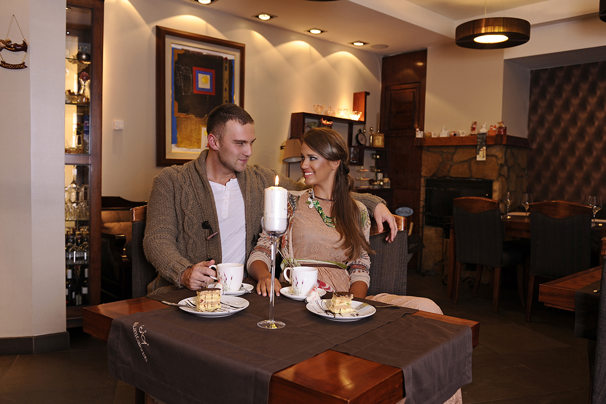 https://www.kraljevicardaci.com/wp-content/uploads/2020/05/a-la-carte-restoran-feature.jpg