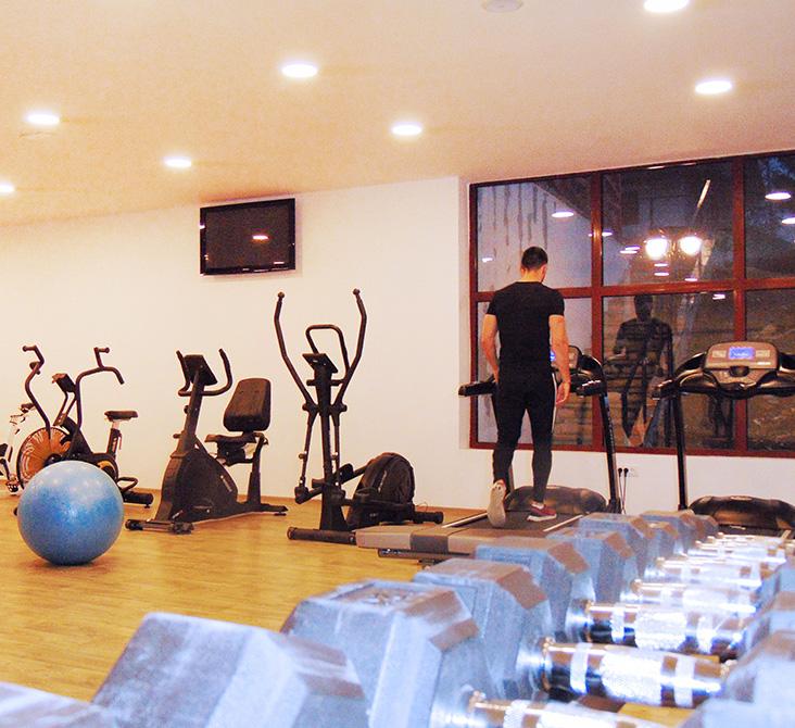 https://www.kraljevicardaci.com/wp-content/uploads/2020/05/fitness-centar.jpg